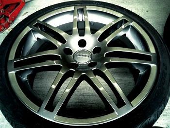 Audi ハイパーシルバー塗装ホイール ホイール修理&ホイール再塗装